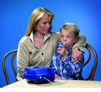 Anwendung des INQUA Inhalators bei einem Kind